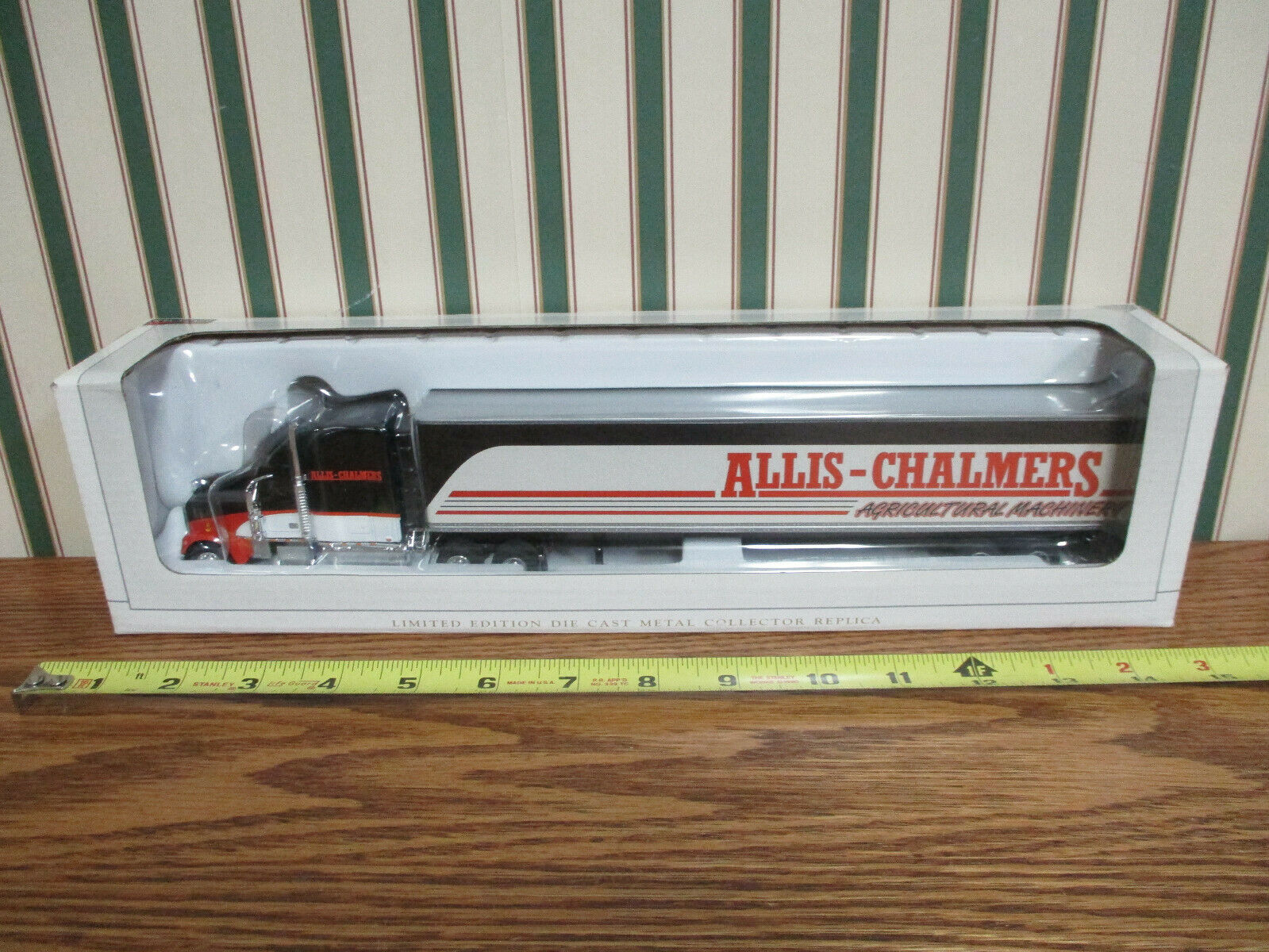 Allis-Chalmers Freightliner Semi With Van Trailer By SpecCast 1 64th Scale