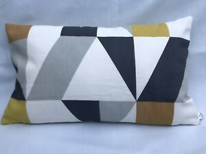 Details About 12 X 20 Scion Nuevo Ashley Wilde Blean Gold Geometric Triangle Cushion Cover