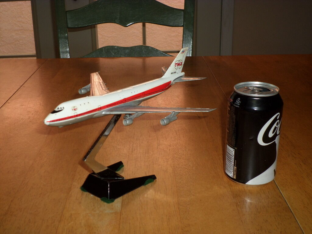 "TRANS WORLD AIRLINER - BOEING 747 PASS. PLANE, DIE CAST METAL, 9.5"" Length"