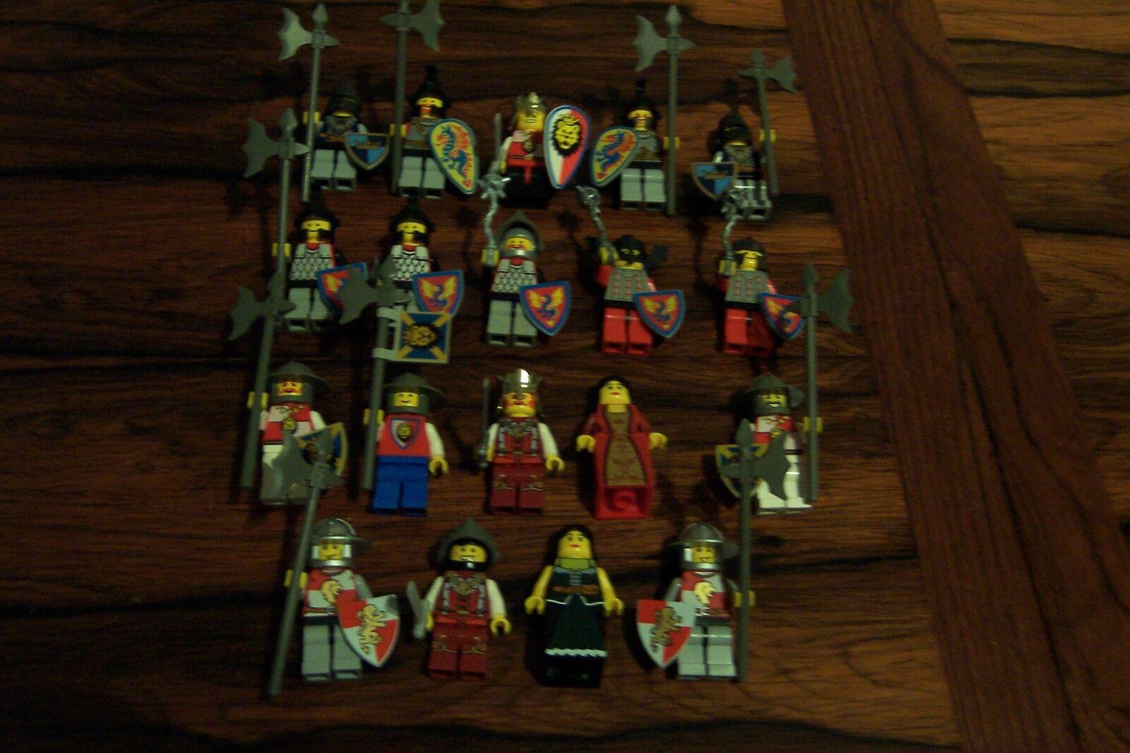 Lego Ritter Castle 19 Figures Komplett Waffen Löwen,König,Wachen