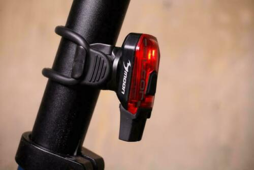 Moon ALCOR Arrière Vélo Cycle Cyclisme Rouge Clair USB Rechargeable