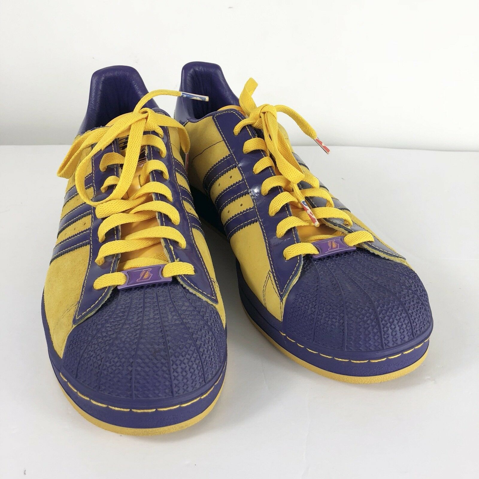 ADIDAS SUPERSTAR Mens sz 14 LOS ANGELES LAKERS NBA Series Basketball shoes