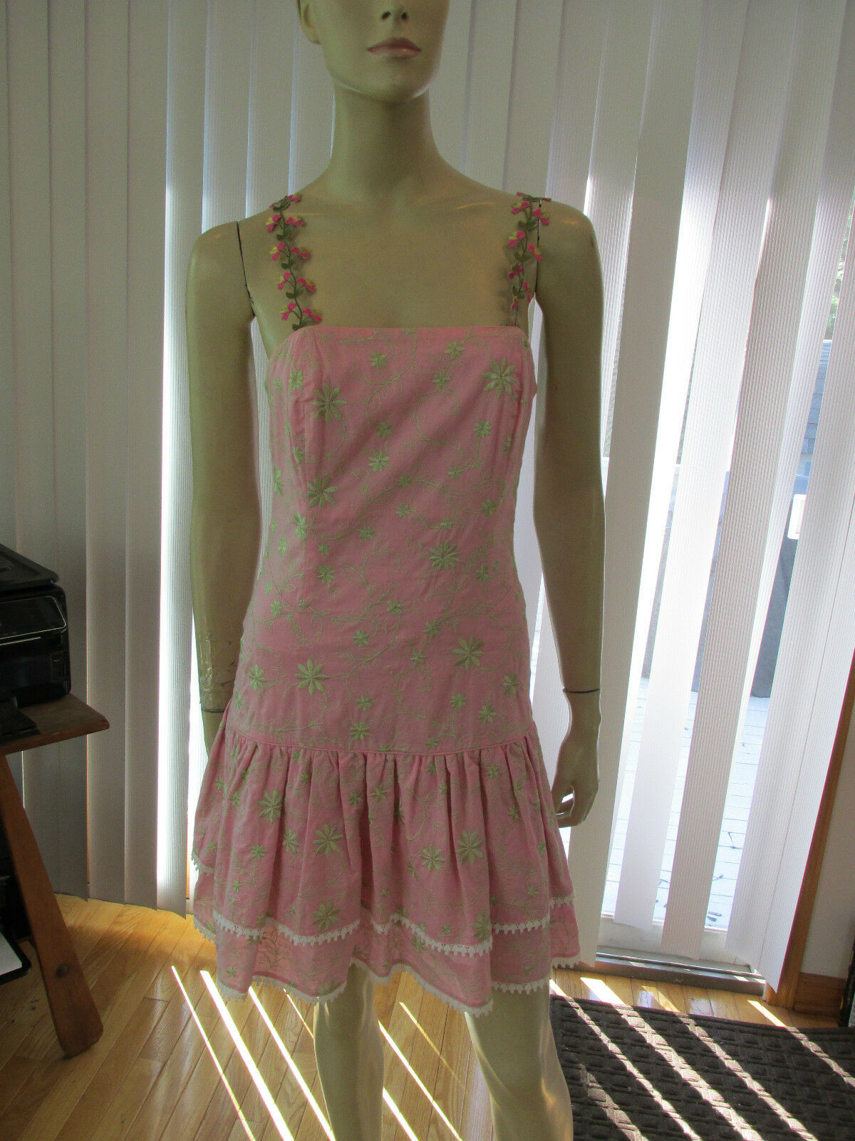 LILLY PULITZER Embroidered Double Flounce Pink Green Strapless Dress Boned EUC