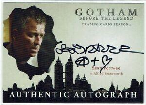 Gotham Season 2 Autograph Card SP Sean Pertwee as Alfred Pennyworth VARIANT (A)