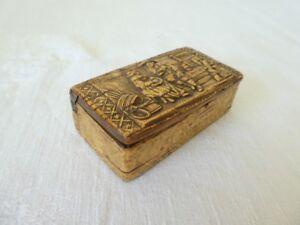 Ancienne-tabatiere-Alsacienne-ou-bretonne-en-bois-sculpter-XIX-eme