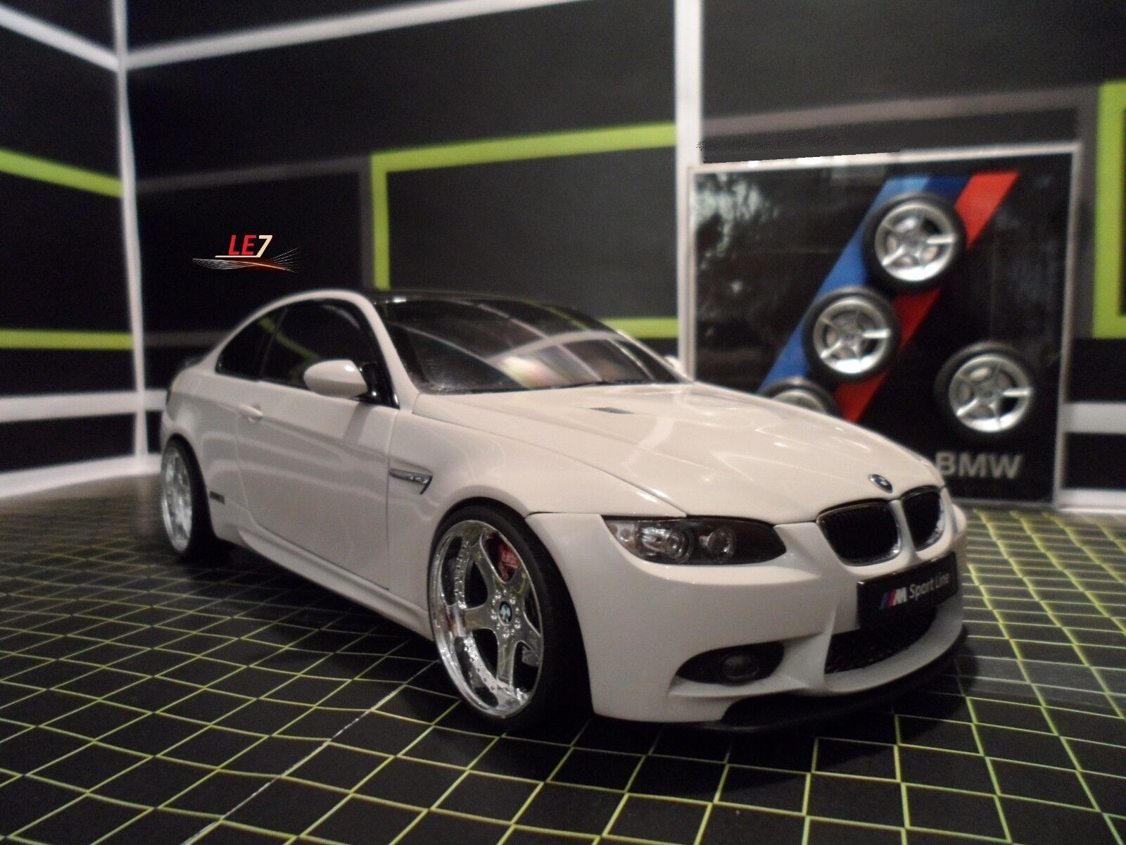 KYOSHO BMW M3 E92 1 1 1 18  Sport Line  (Alpina White) ef6e13