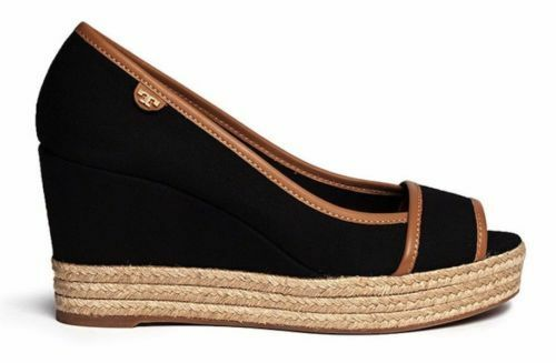 TORY BURCH BLACK ROYAL TAN MAJORCA LOGO PLATFORM WEDGE PEEP TOE SANDAL  8  225