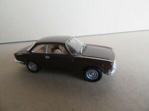 1K-Solido-Alfa-Romeo-1300-Junior-Coupe-1969-Marron-1-43