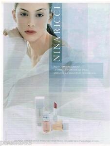 PUBLICITE ADVERTISING 105  2002  NINA RICCI    maquillage cosmétiques rouge lèvr