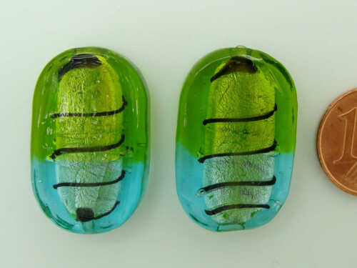 2 perles ovale plat Bleu Vert 26mm verre style Murano feuille argente stries