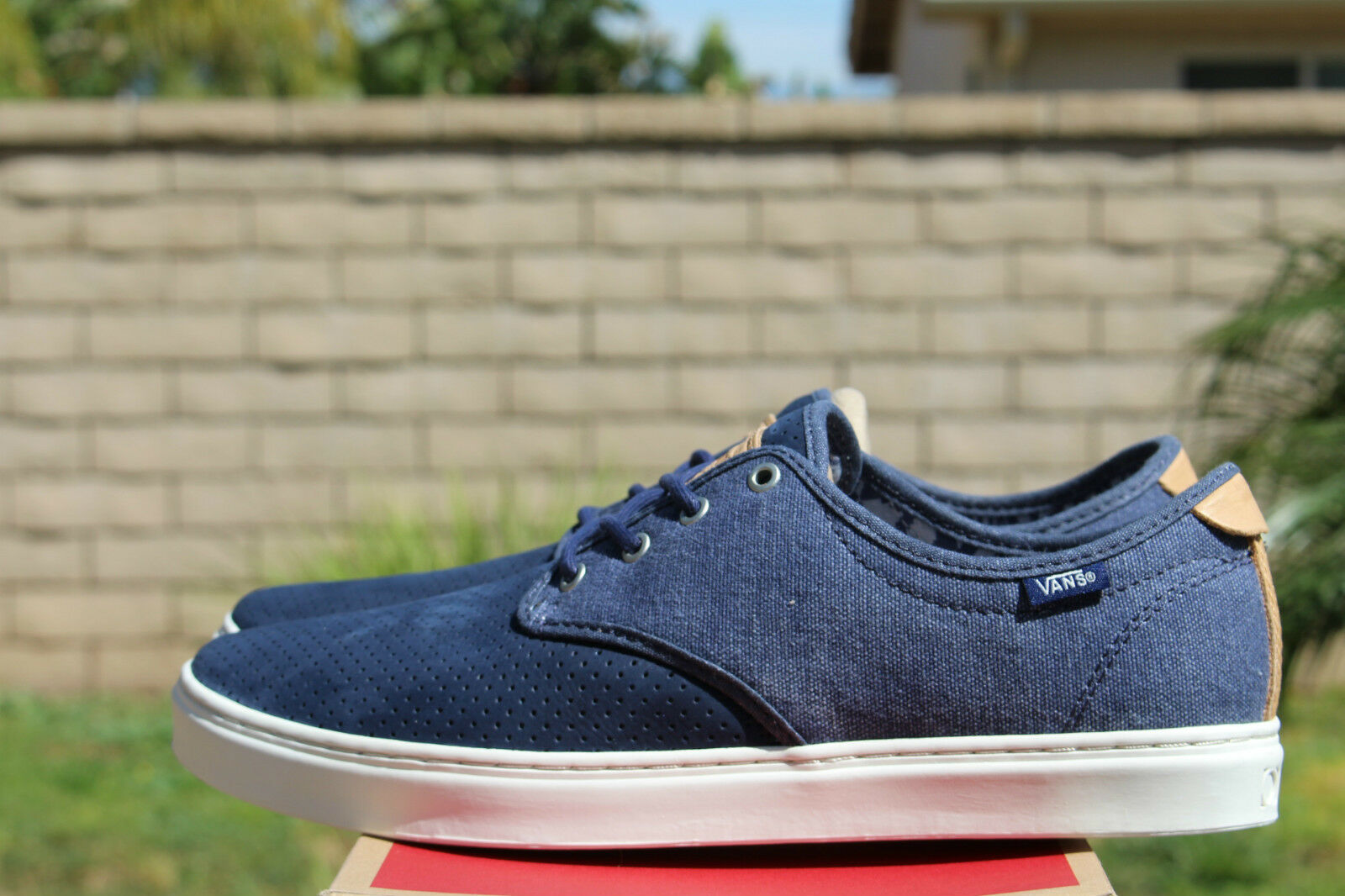 VANS OTW LUDLOW SZ 11.5 CLASH BLUE WHITE OFF THE WALL VN 0ZUTFTM