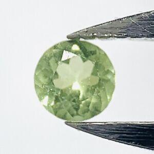 Real-Green-round-Peridot-2-5mm