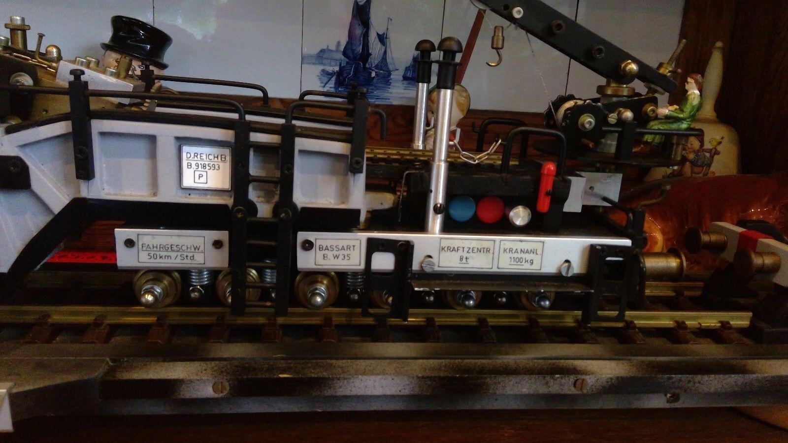 Selbstgebautes Model eines Eisenbahngeschützes Eisenbahngeschützes Eisenbahngeschützes zweiter Weltkrieg 695153