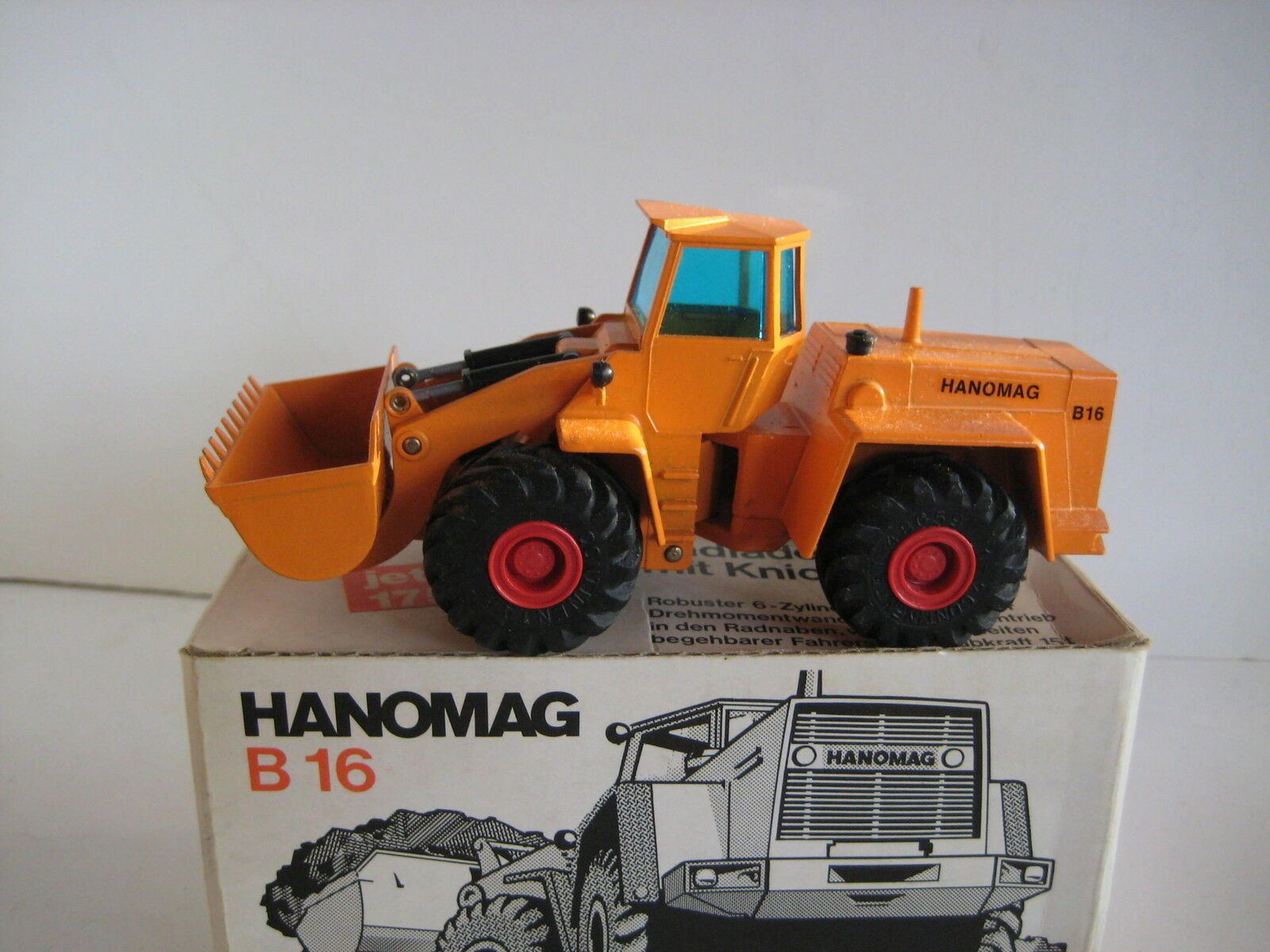 Hanomag B 16 Wheel Loader  569.5 orange cursor 1 50 OVP