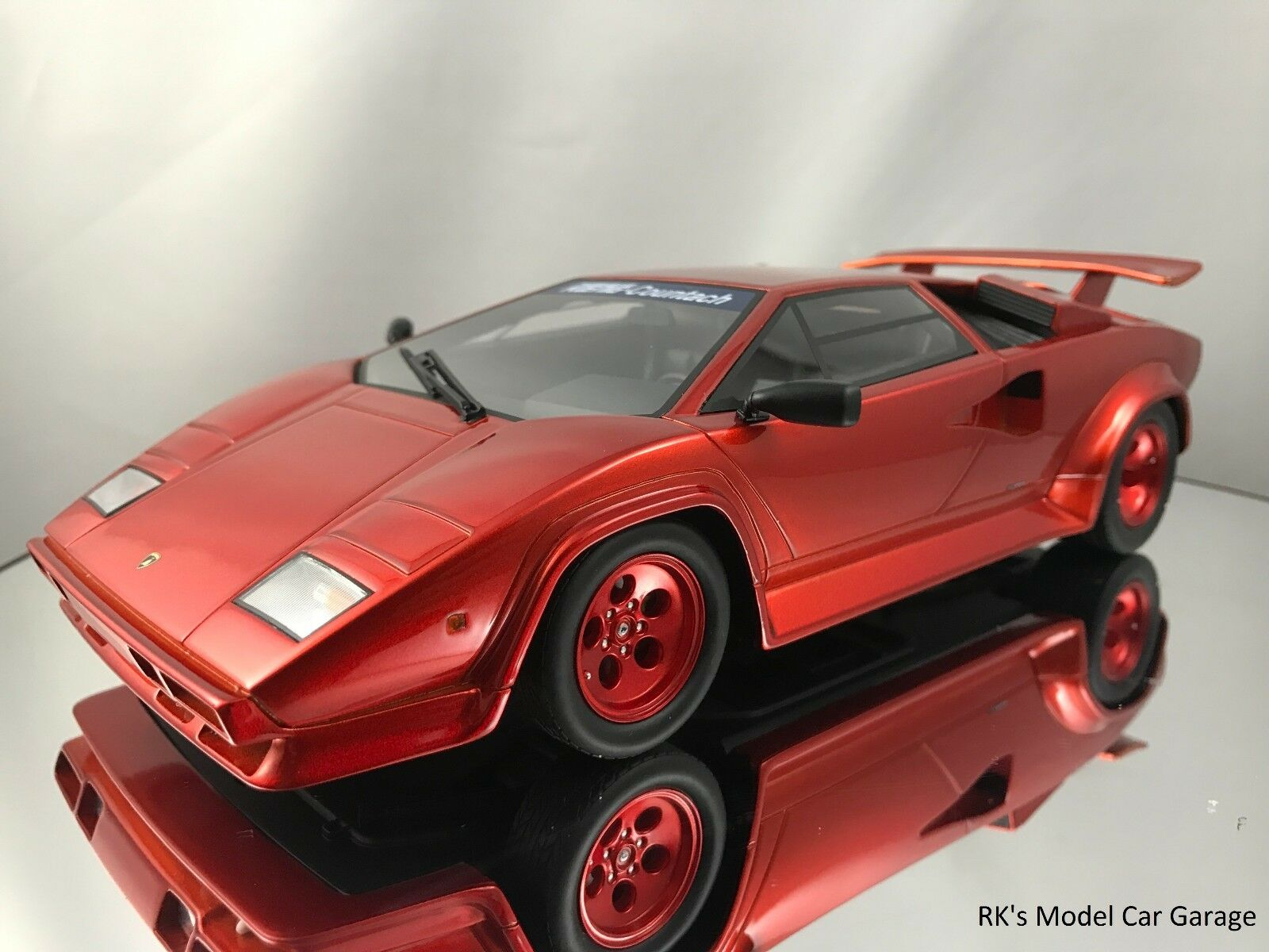 GT Spirit Koenig Countach Especial Lamborghini 5000 S Turbo Candy Apple Rojo
