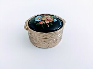 Vintage-Ceramic-Blue-Flower-Floral-lid-Etched-Silver-Hinged-Pill-Trinket-Box