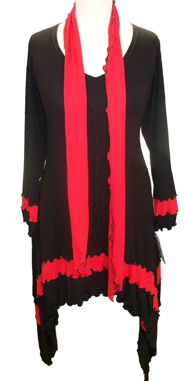 C72 Lagenlook  schwarz and rot Tunic Scarf Top Long Sides Scoop Neck Made to Order