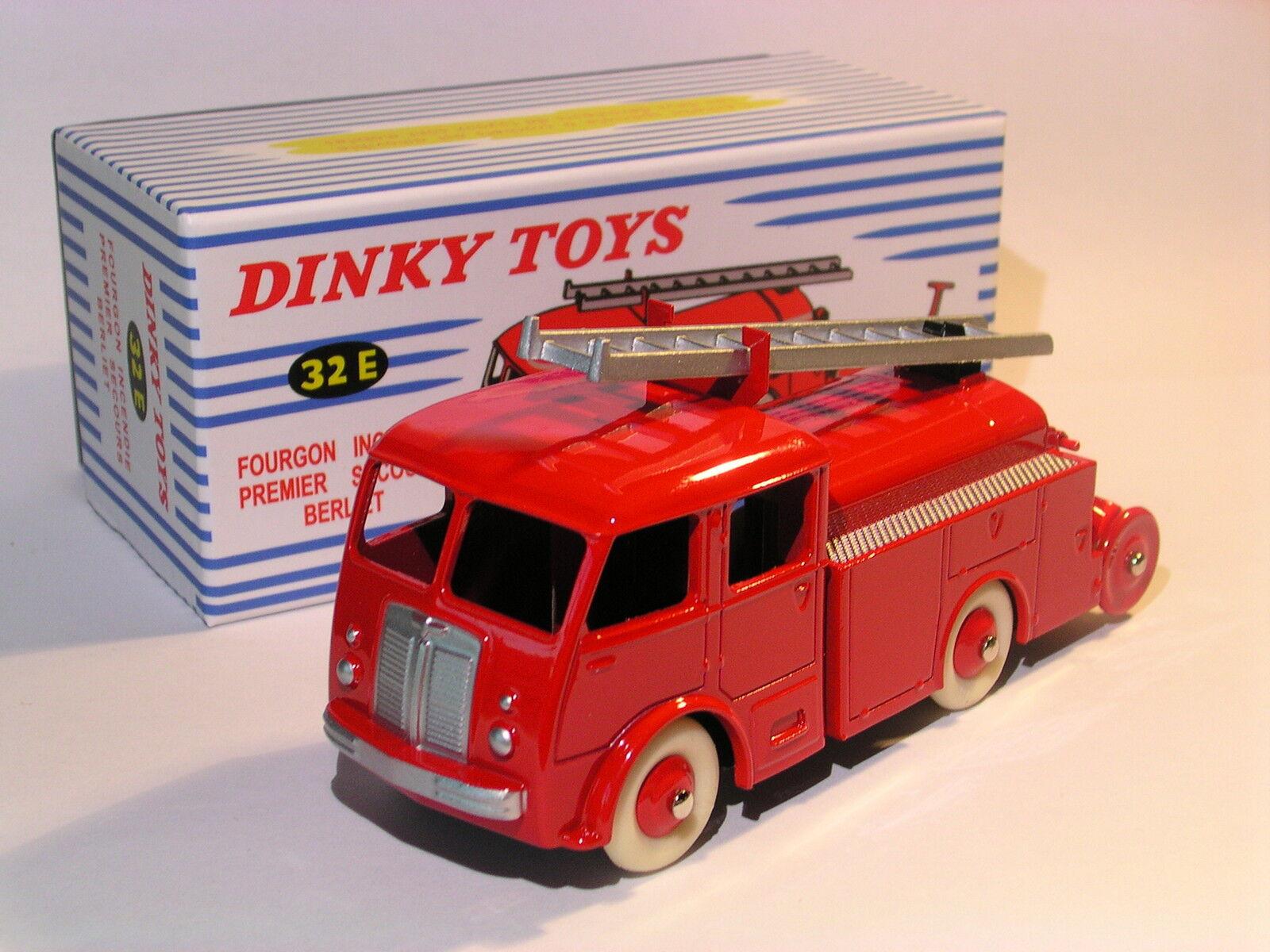 Van Wagon Fire First Aid Berliet Fire - Ref 32 E of Dinky Toys Atlas