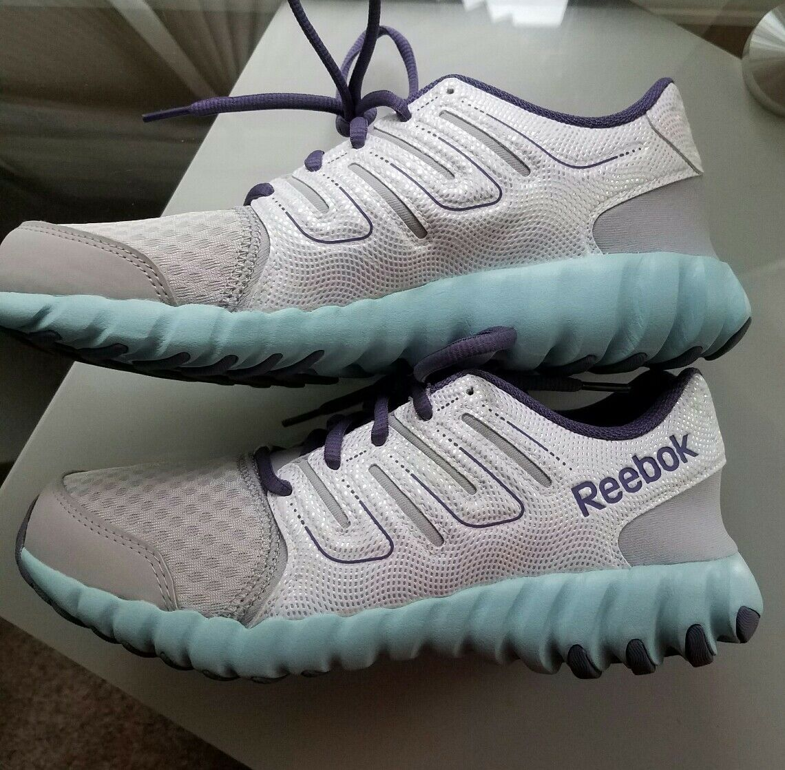 REEBOK 7.5 running shoes women's size 7.5 REEBOK youth size 6..new..never worn 1ce952