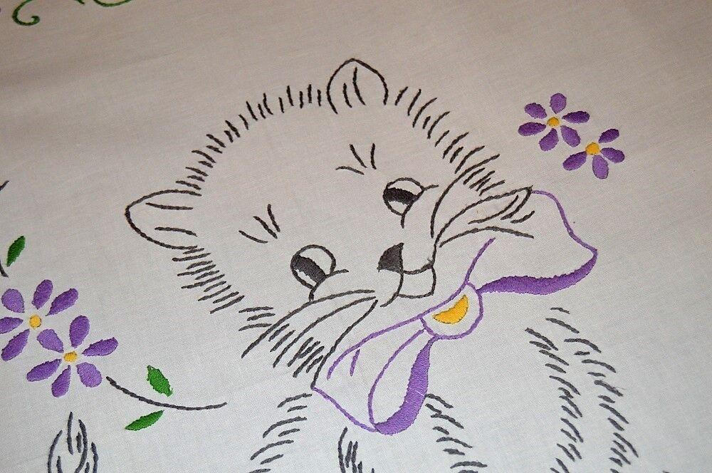 KITTY CAT & violet FLOWER POWER  VTG GERMAN SPRING HAND TABLECLOTH + FREE SHAM