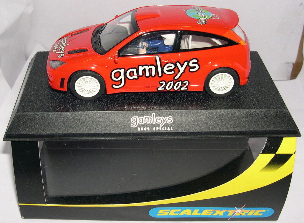 SCALEXTRIC C2471A SLOT CAR FORD FOCUS WRC  GAMLEYS 2002 RED  LTED. ED MB