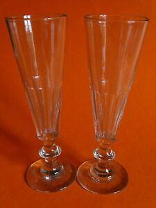 2 Anciennes Flutes A Champagne En Verre Modele Cotes Plates 19 Eme