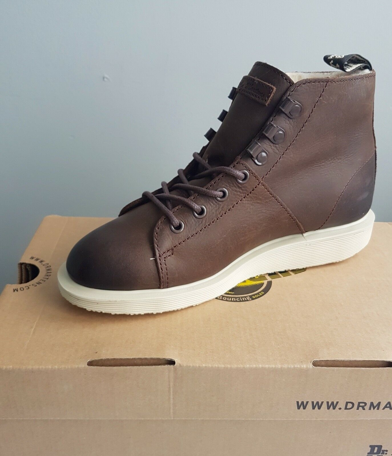 DR. MARTENS WOMENS UK5 WARM FLEECE LINED WYOMING LEATHER TRAINER BOOT DARK BROWN