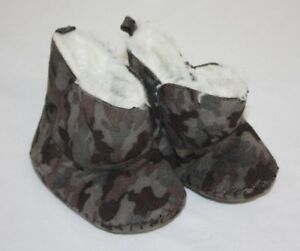 Infant Baby Boys Gray Brown Camouflage Faux Fur Lined Booties Shoes Size 2