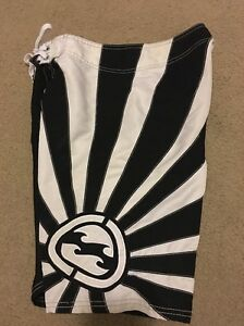 9821a9594c Image is loading Billabong-Boardshorts-Andy-Irons-Rising-Sun-Black-And-