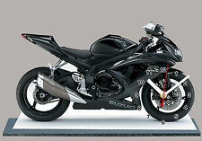 MOTO, SUZUKI GSXR -750 -04, EN HORLOGE MINIATURE