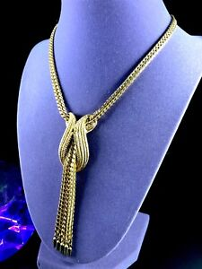SENSATIONAL-SIGNED-MONET-GOLDTONE-FINISH-CHAIN-NECKLACE-WATERFALL-TASSEL-PENDANT