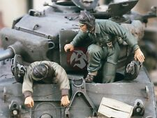 """Verlinden 1/35 """"Bailing Out"""" US Tank Crew come out WWII No.1 (2 Figures) 1573"""
