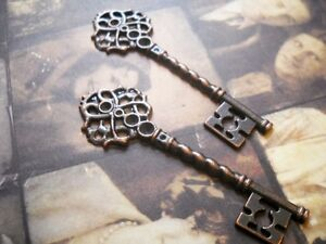 2 Large Skeleton Keys Pendants Antiqued Copper Steampunk Keys 68mm