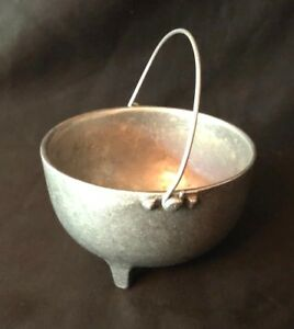 Minalloy-NYC-Pewter-Footed-Soup-Bowl-w-Handle-90196-Vintage-Bowl