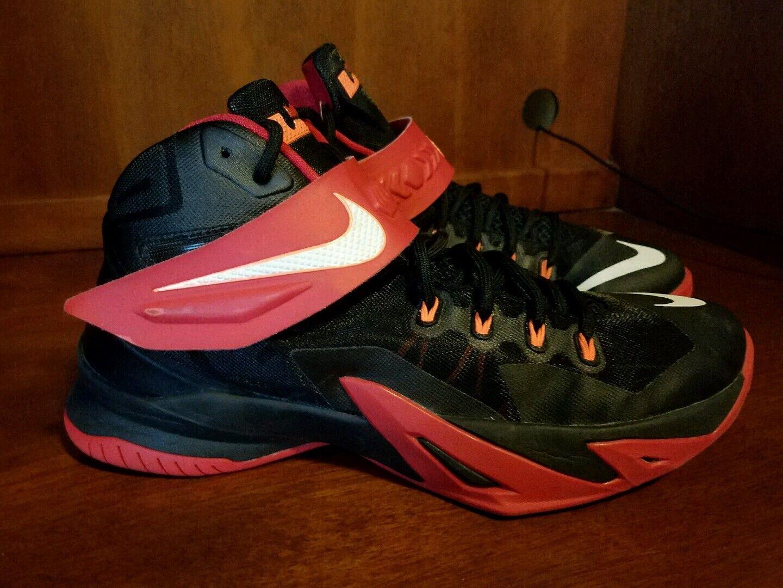 Hombre Nike Lebron Soldier & VIII 8 Negro, Rojo & Soldier Blanco D Estilo 653641016 068ae9