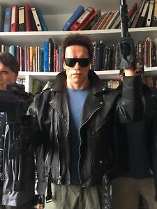 TERMINATOR-1-police-station-attack-life-size-statue-Arnold-Schwarzenegger