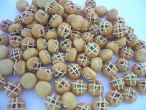 20 Loose Fruit Topped with Mixed Saucer Buns Bakery Dollhouse Miniatures Food