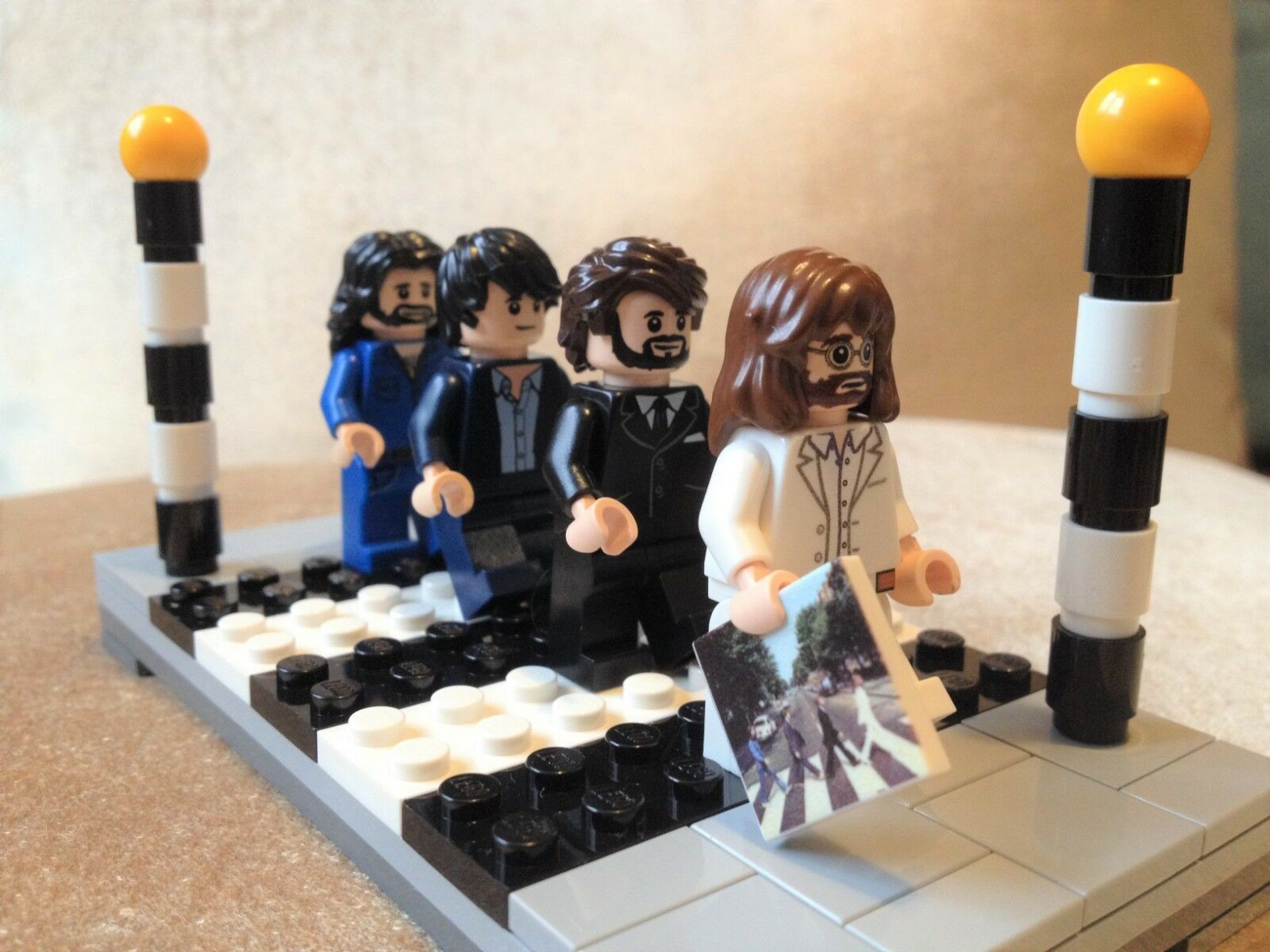 BEATLES In Vendita a Natale, Custom made Abbey Road Mini-Figure Set Nuovo di zecca