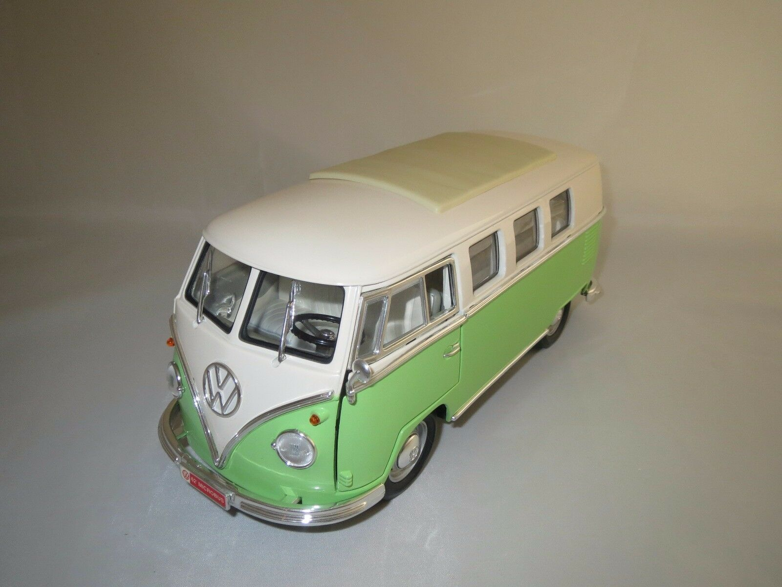ROAD SIGNATURE VOLKSWAGEN MICROBUS  1962  1 18 sans emballage