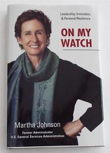 Signé Martha Johnson On My Montre Couverture Rigide