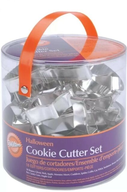 Wilton 18-Piece Metal HALLOWEEN Cookie Cutter Set - NEW!