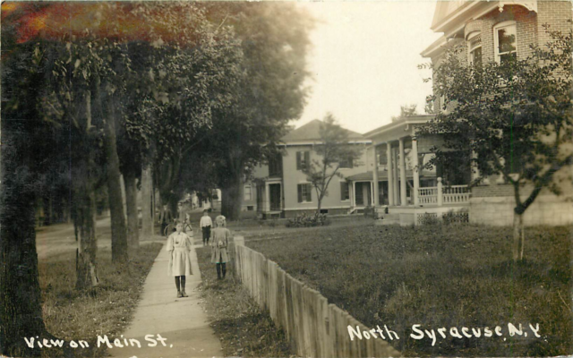 """NORTH SYRACUSE NY """"VIEW ON MAIN STREET"""" CHILDREN PLAYING ..."""