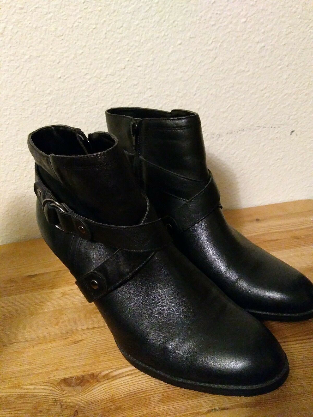 A.n.a Black LEATHER Zip Up High Heel Ankle Boot Women's Size 11 M straps rings