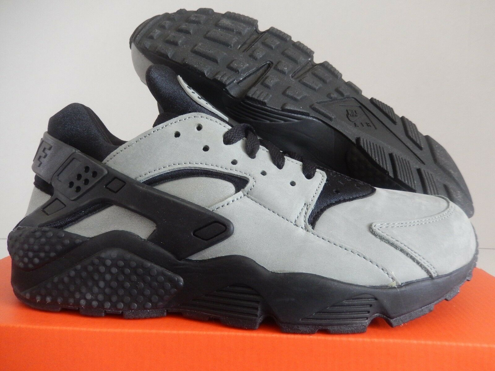 NIKE AIR HUARACHE RUN PRM PREMIUM MICA GREEN-BLACK SZ 10.5 [704830-301]