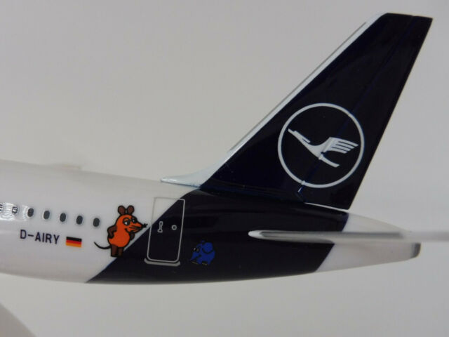 LUFTHANSA DIE MAUS Airbus A321 1/200 Herpa 612432 Snap Fit new colours