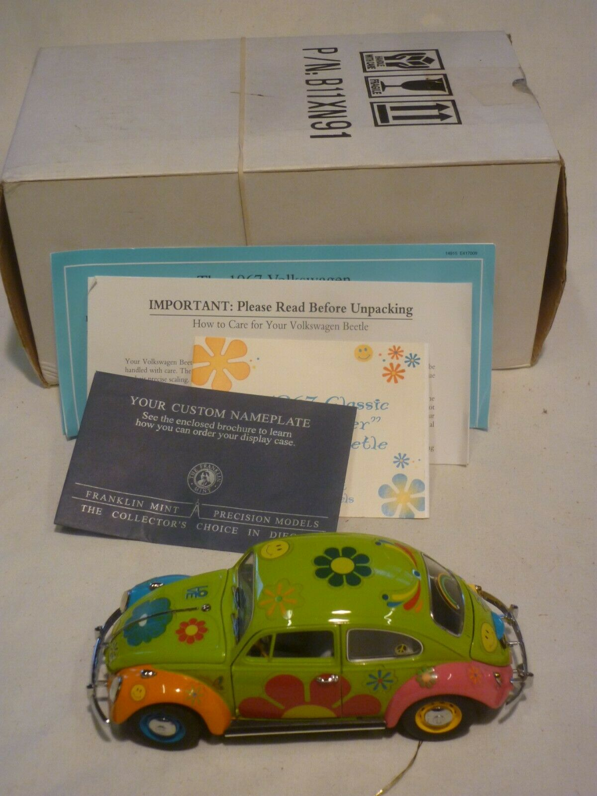 Un Franklin Comme neuf scale model of a 1967 Volkswagen Beetle Flower, boxed & papiers