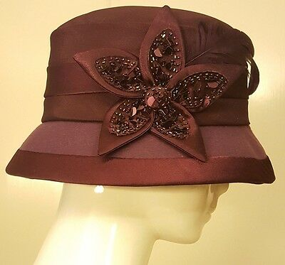 Vtg, Fine Millinery Coll. by August Access., Burgundy, Wool/Satin Bucket Hat (M)