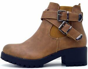 Caricamento dell immagine in corso tronchetto-donna-scarpe-invernali-donna- chelsea-boots-stivaletti- b4ff04b1edb