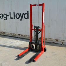 Manual Pallet Stacker Hydraulic Stacker Forklift 2200 Lbs Capacity 63 Inch Lift