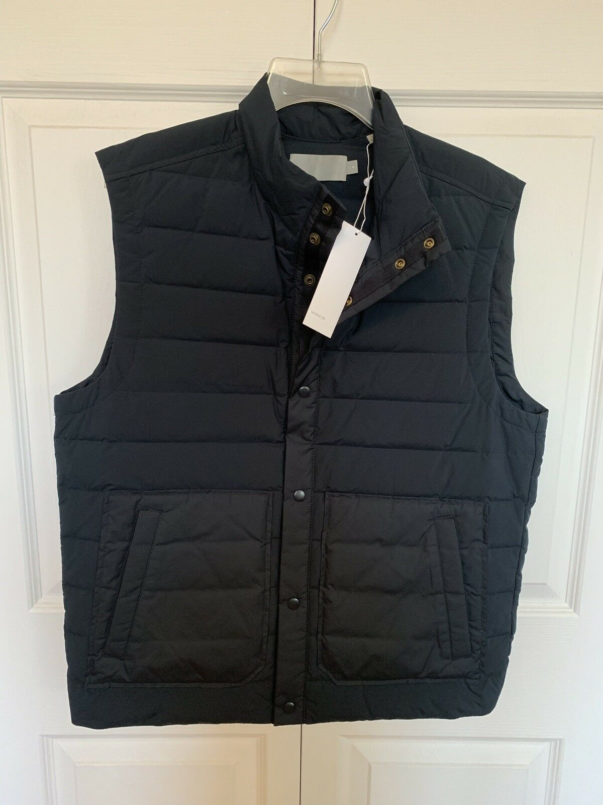 NWT  Vince Men's Down Filled Button Front Vest Size M Medium Dark bluee